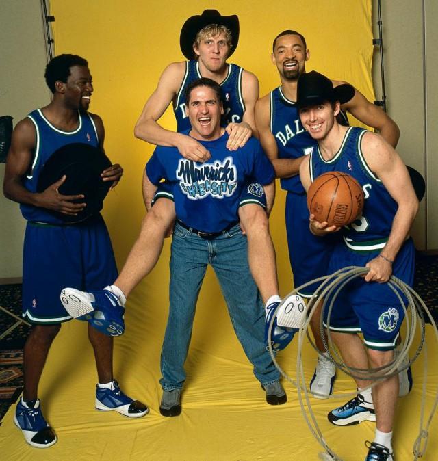 2001-Steve-Nash-Juwan-Howard-Mark-Cuban-Dirk-Nowitzki-Michael-Finley-001240300